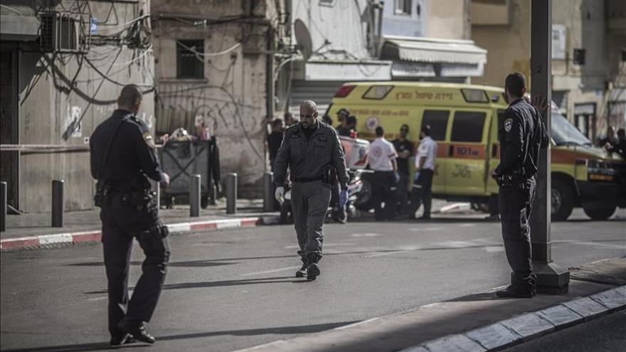 Un israelí herido tras ser presuntamente apuñalado por un palestino en Tel Aviv