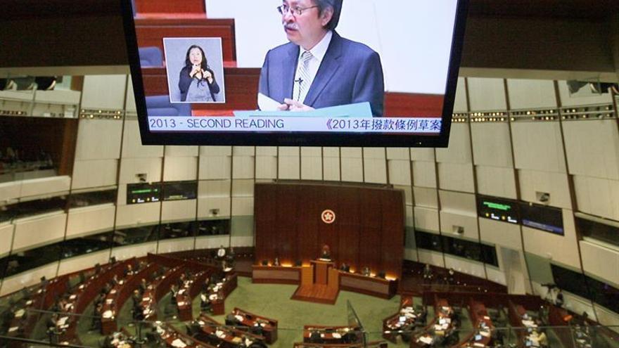 Cuatro legisladores demócratas de Hong Kong pierden el escaño en los tribunales