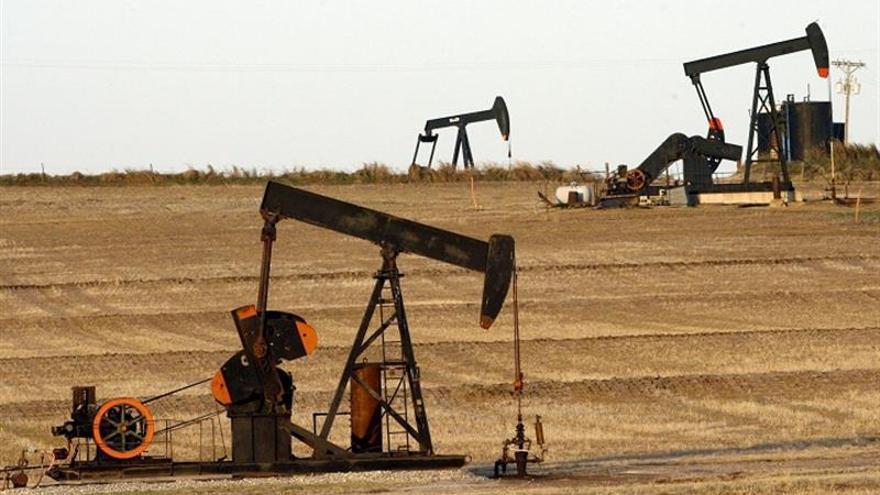 El petróleo de Texas continúa su rebote y sube un 1,86 %, hasta los 68,45 dólares el barril