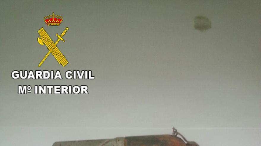 La Guardia Civil destruye dos granadas de mortero y 75 cartuchos de pistola abandonados en Gran Canaria