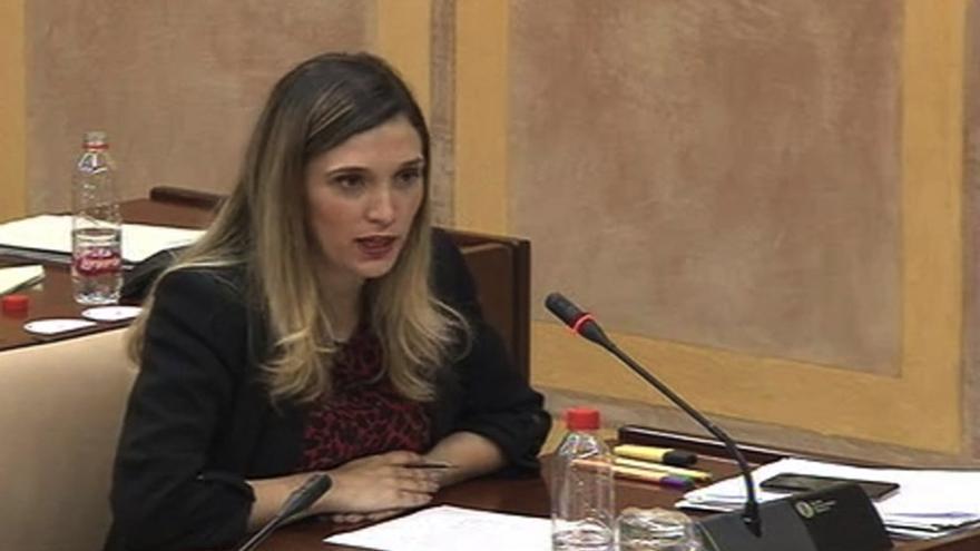 La parlamentaria andaluza del PSOE María Márquez, en la Comisión de Educación y Deporte.