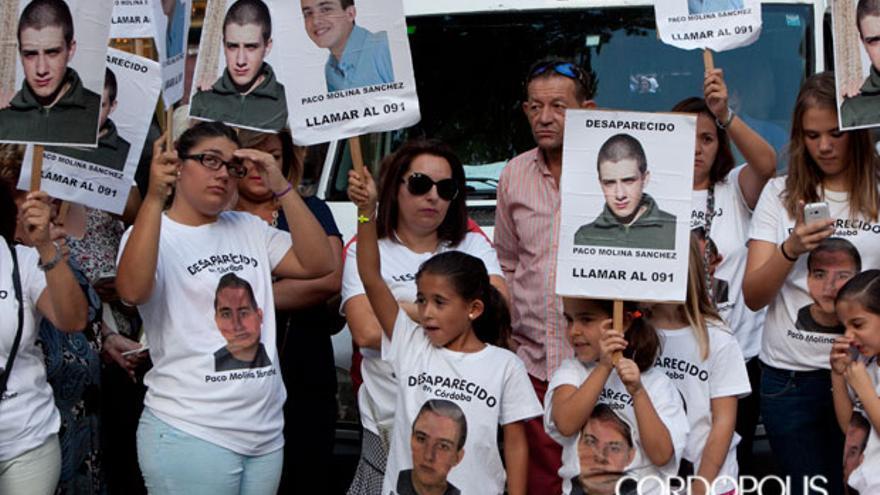 Última concentración ciudadana que arropó a la familia de Paco Molina   MADERO CUBERO