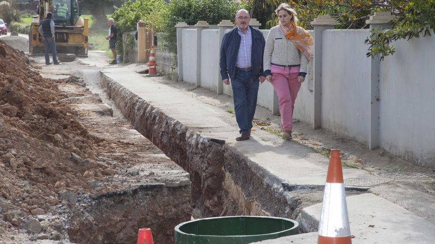 La alcaldesa de Camargo y el concejal de Servicios Públicos han visitado las obras.