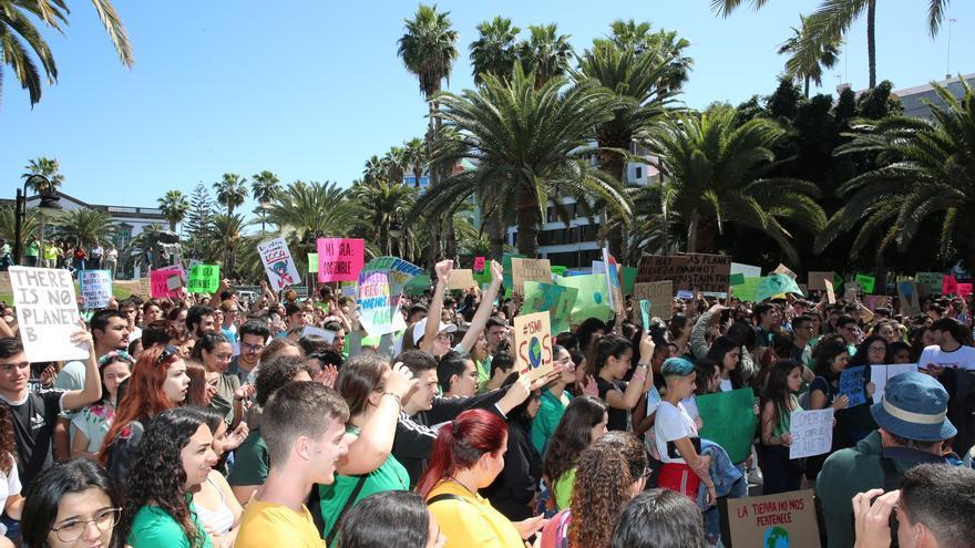 Manifestación en la plaza de La Feria.