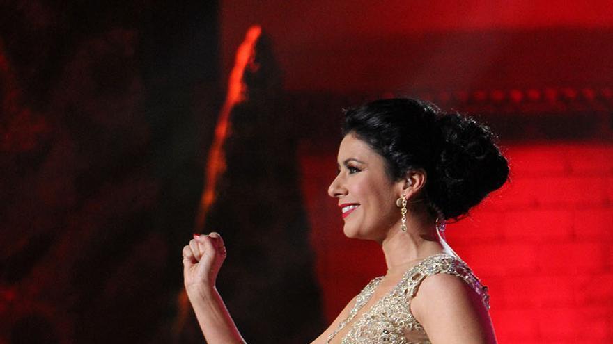 La presentadora Yanely Hernández durante la Gala Drag Queen de Las Palmas de Gran Canaria. (Foto: Cirenia Vico).
