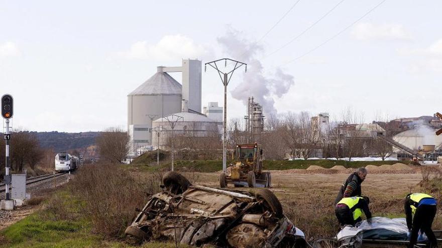 Un muerto al arrollar el Alvia Madrid-Ferrol un turismo