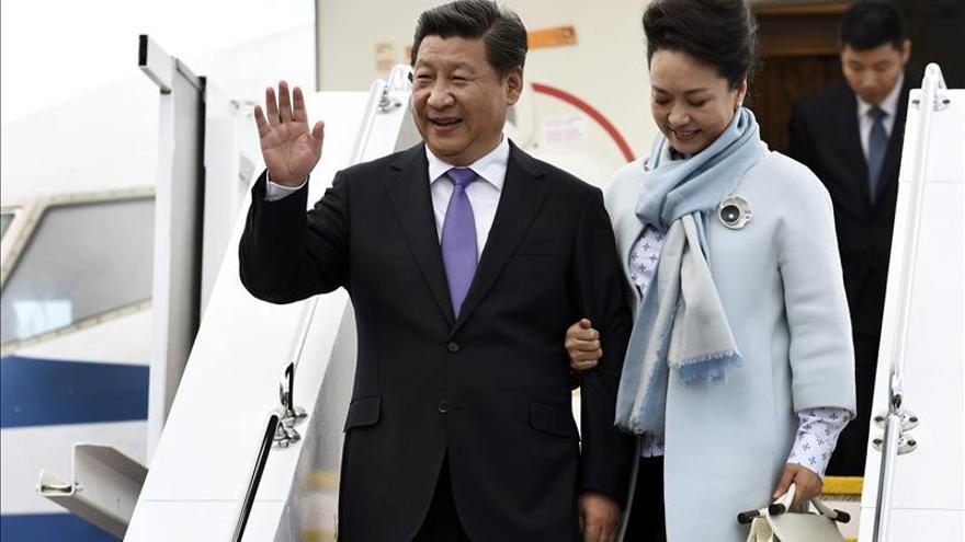El presidente chino se encuentra con niños y con los demonios de Tasmania