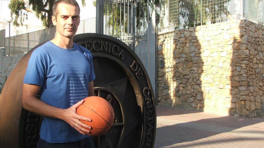 José Antonio Martínez, profesor de la UPCT, ha participado en la investigación sobre la incidencia de TEP en jugadores de baloncesto
