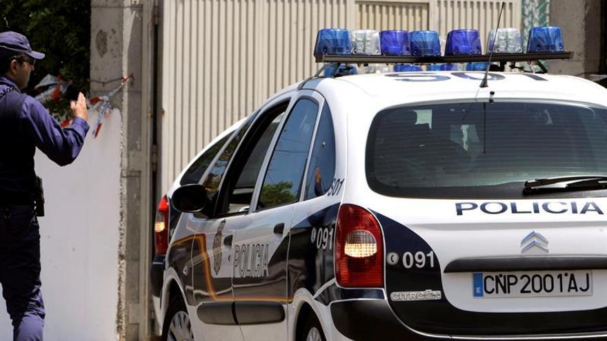 Un hombre se entrega a la Policía tras matar a su pareja a golpes en Madrid