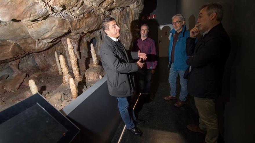 Expertos piden prudencia y cuestionan que neandertales pintaran arte rupestre