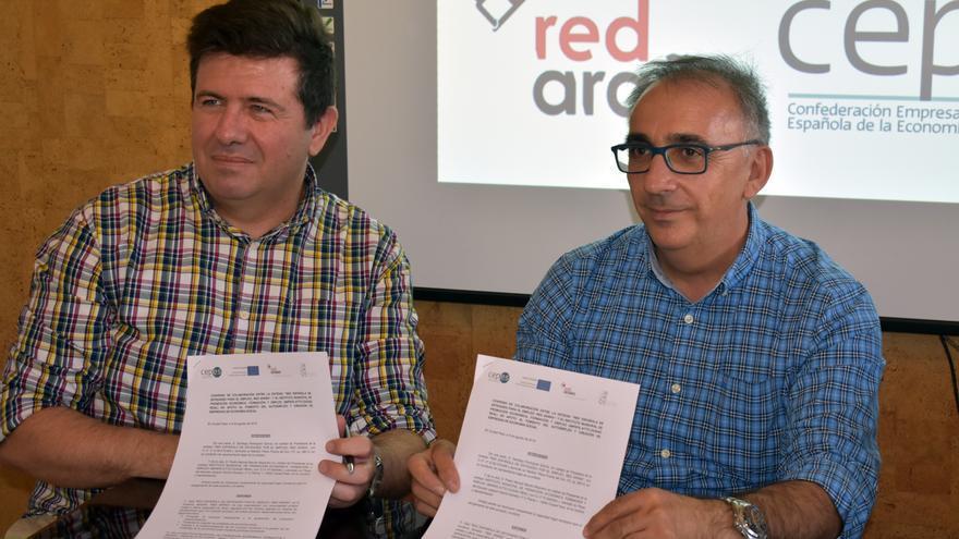 Firma del convenio entre IMPEFE y la Red Araña