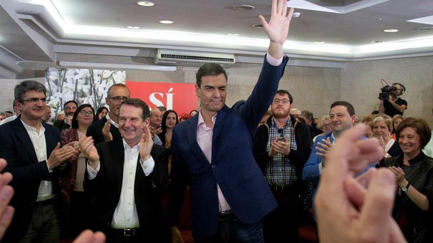"""Sánchez llama a """"ganarse el futuro"""" el 26J y aboga por trabajar en equipo"""