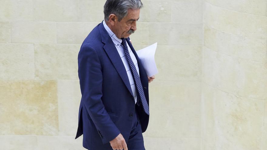 """Revilla agradece a la oposición de Cantabria su actitud """"bastante ejemplar"""" y de """"arrimar el hombro"""""""