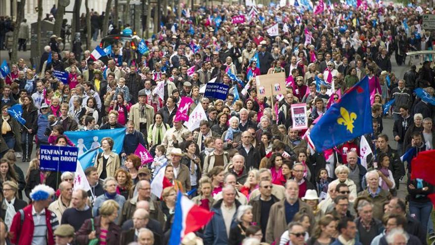 Los detractores del matrimonio homosexual vuelven a tomar las calles de París