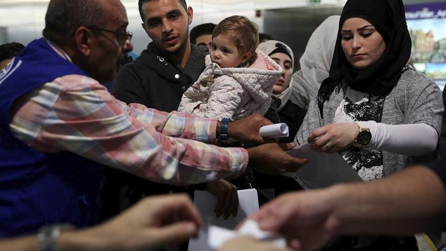 El Congreso aprueba una iniciativa para mejorar la respuesta a la crisis de refugiados