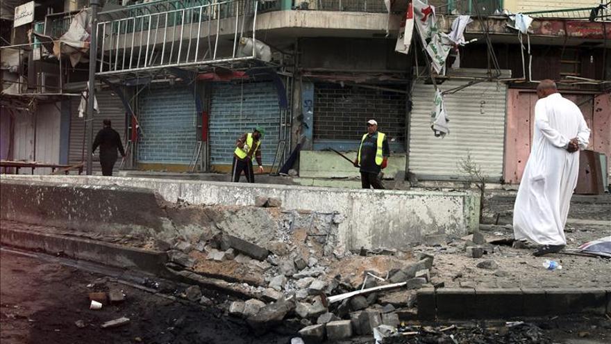 Mueren 18 personas en tres atentados con coches bomba en Irak