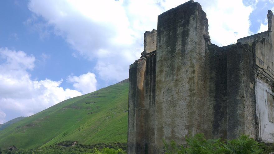 Ruinas de la estación del túnel de la Engaña | DAVID GUTIÉRREZ