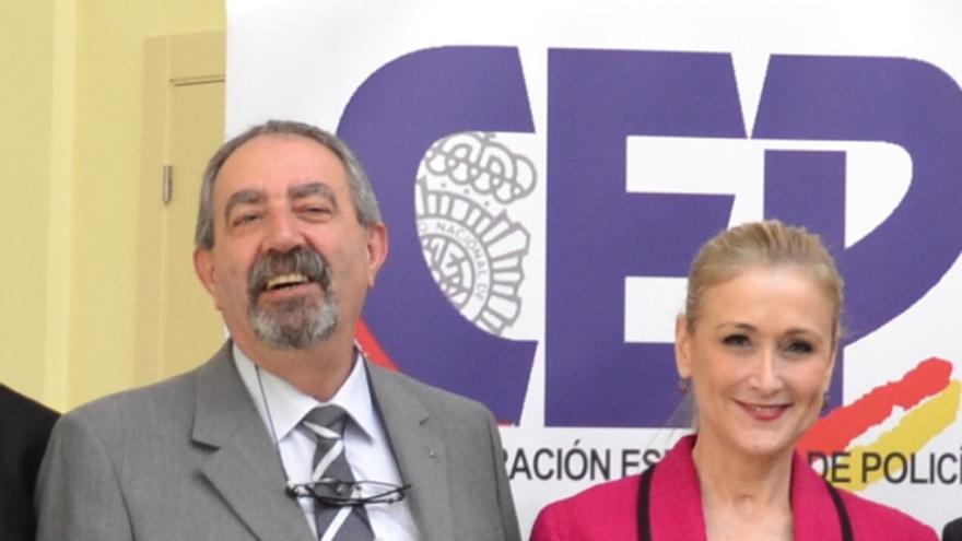 El responsable sindical destituido, José Miguel Lorenzana, junto a Cristina Cifuentes