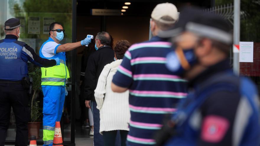 Los expertos ponen en duda los test de antígenos a turistas que ha aprobado el Gobierno de Canarias