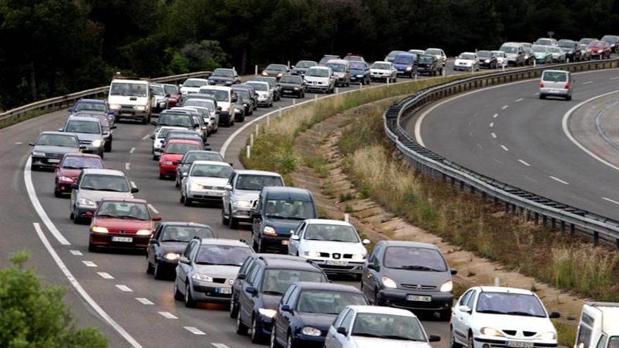 Empiezan las primera retenciones de tráfico en Cataluña