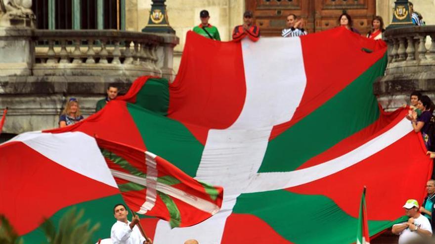 RTVE: Eurovisión rectifica y quita la Ikurriña de las banderas prohibidas