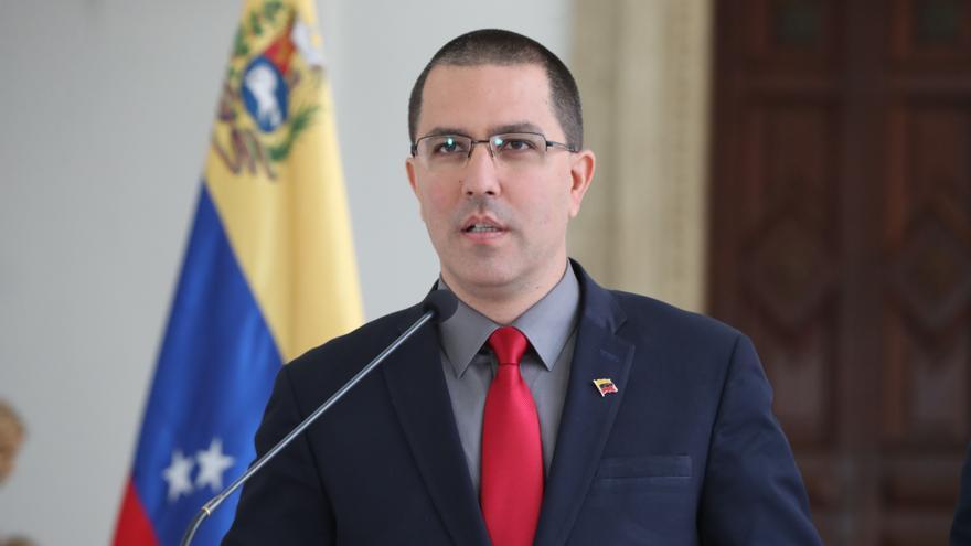 """El canciller de Venezuela llama """"descarado"""" al director de HRW para América"""