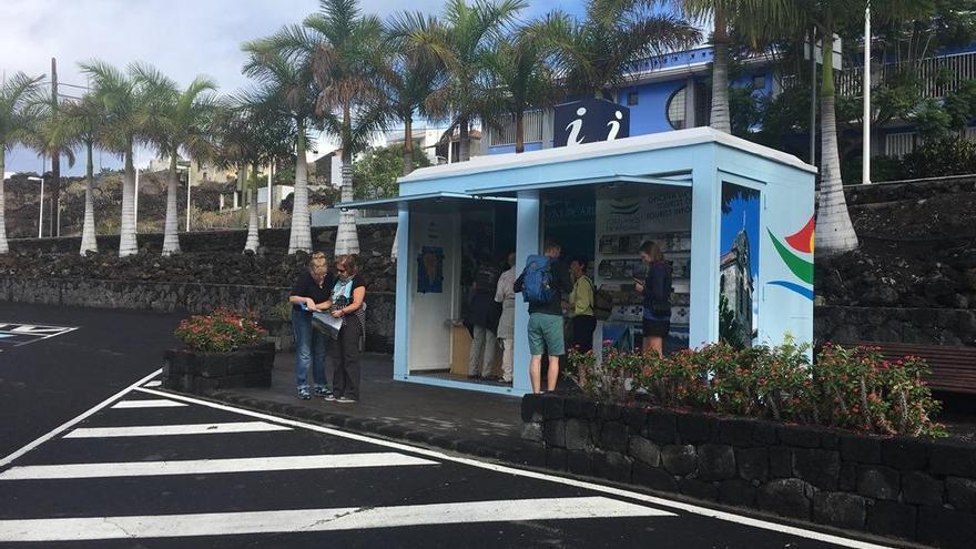 Imagen actual de la Oficina de Turismo de Puerto Naos, recién renovada.