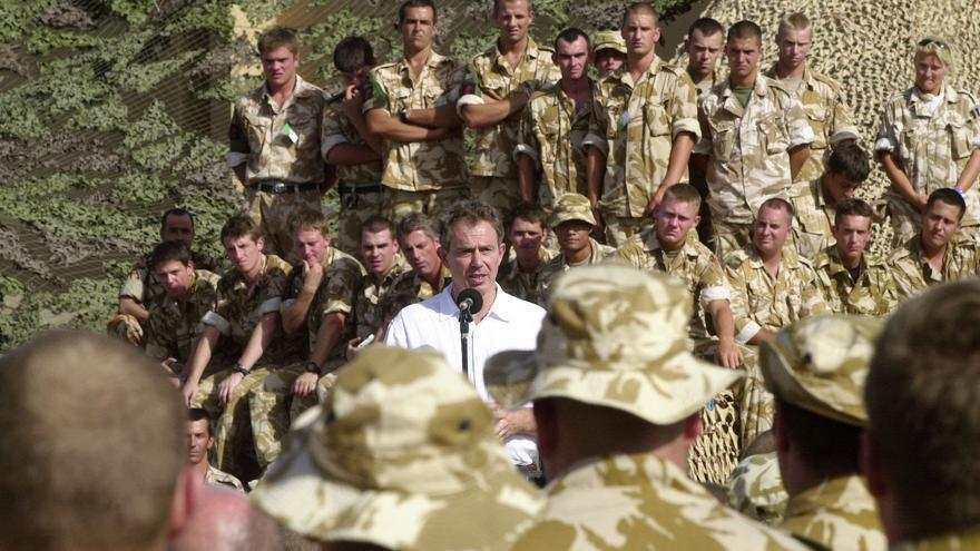 Discurso de Tony Blair ante tropas británicas en el campo Al Sha'afa, norte de Omán en octubre de 2001.