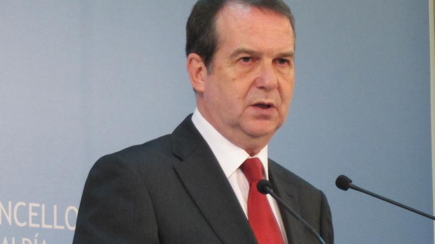 """El vicepresidente de la FEMP destaca el acuerdo de todos los grupos políticos contra la """"desafortunada"""" reforma local"""