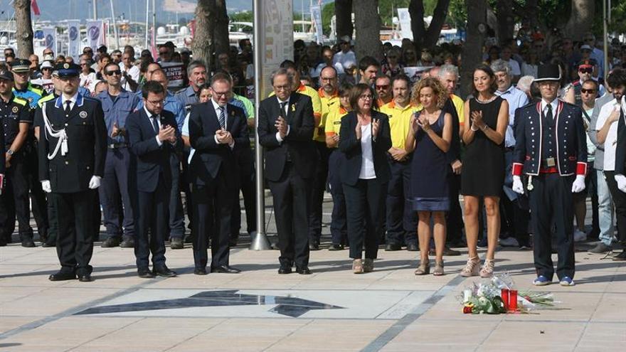 Cambrils recuerda a las víctimas del 17A y agradece la labor de la Policía y Emergencias