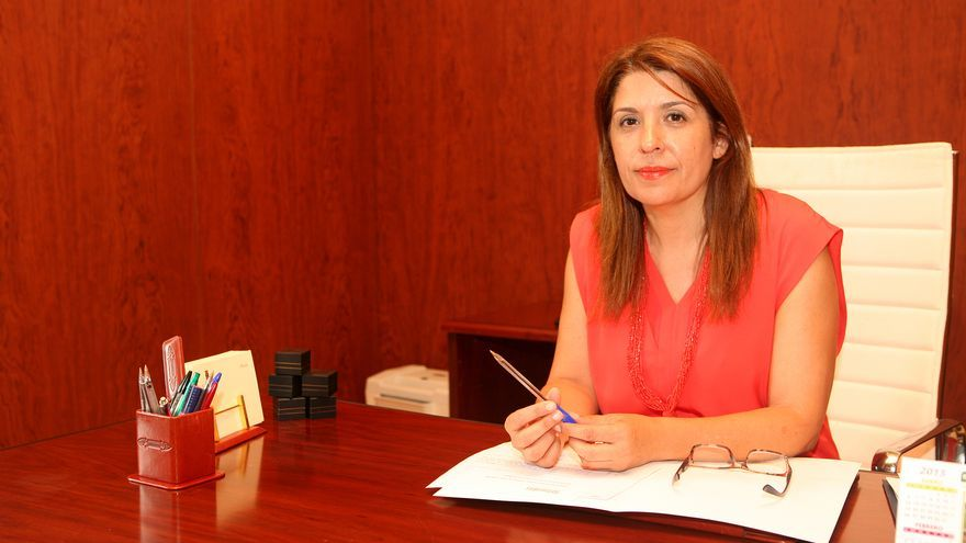 Carmen Hernández, alcaldesa de Telde, en el despacho del Ayuntamiento. (ALEJANDRO RAMOS)