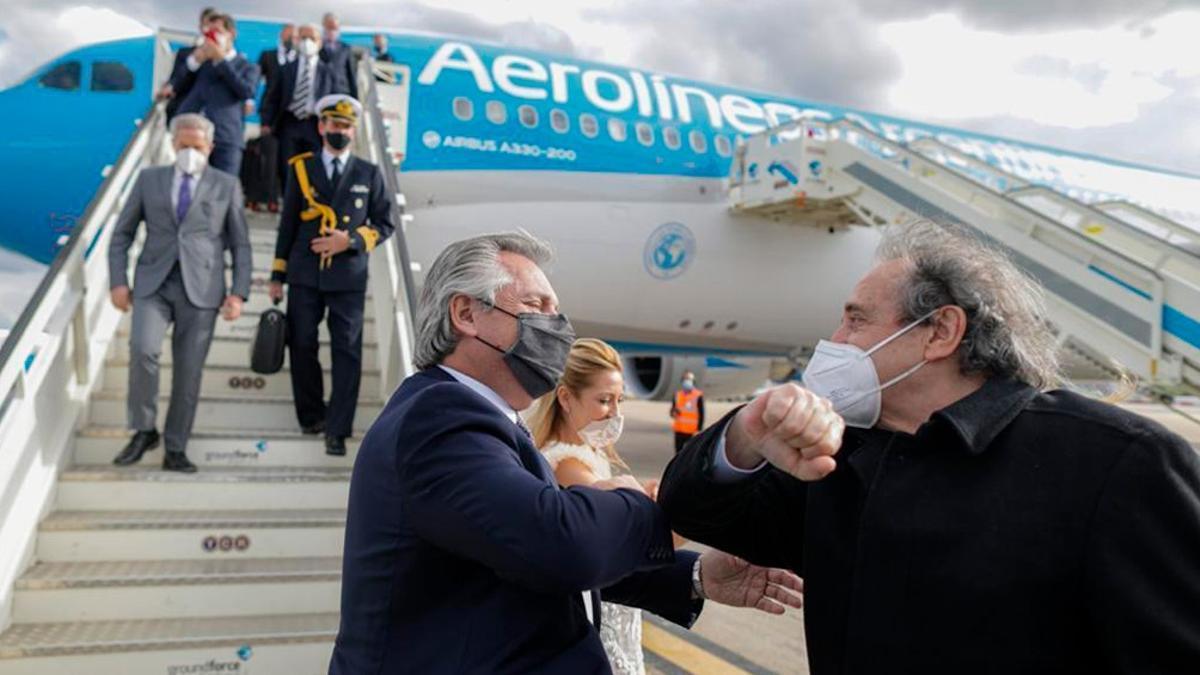 Alberto Fernández regresó al país tras su gira europea