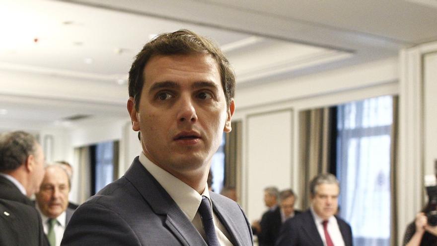 """Rivera propone un estatuto del contribuyente y critica que Montoro haya """"amenazado"""" con filtrar datos fiscales"""
