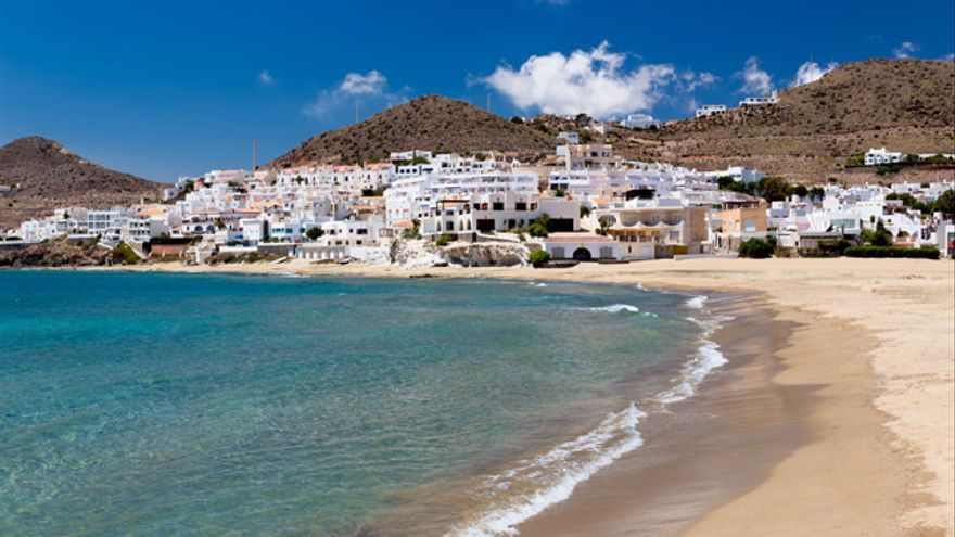 Razones para invertir en un piso en la costa andaluza.
