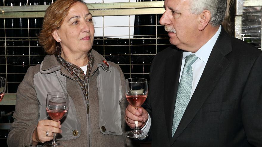 Jesús Bárcenas con la que fuera consejera de Agricultura, Mª Luisa Soriano