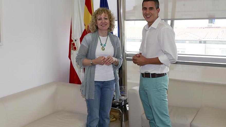 Eva Díaz Tezanos y Pablo Zuloaga en el Gobierno de Cantabria. | NACHO ROMERO
