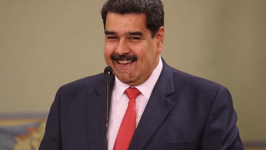 """Maduro dice mantuvo """"extraordinaria conversación"""" con López Obrador en México"""