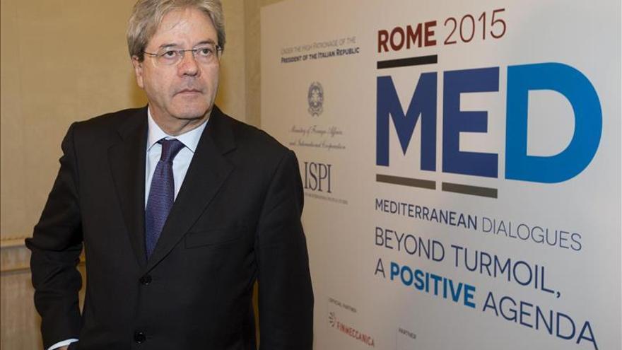 Italia insta a un nuevo orden en el Mediterráneo mientras se afrontan la crisis
