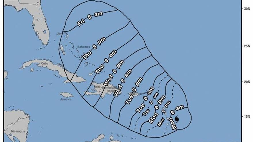 El huracán María sube a categoría 3 mientras se acerca a las Antillas Menores