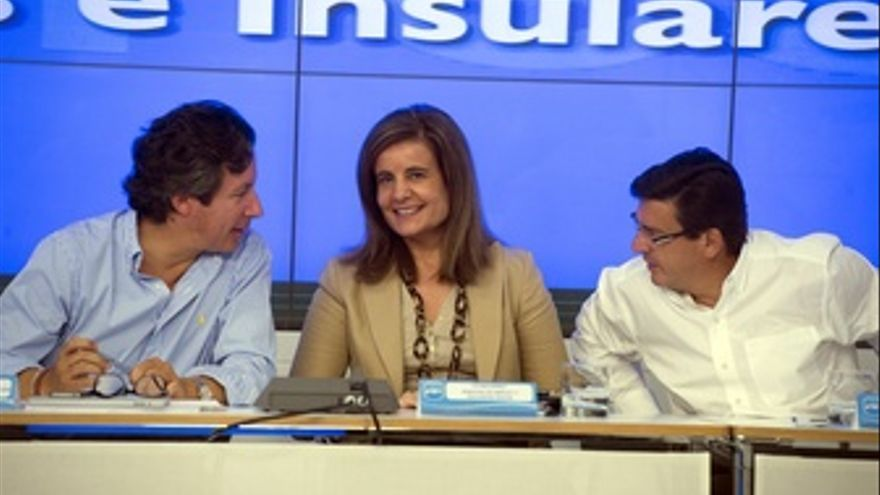 La ministra de Empleo, Fátima Báñez, con Floriano