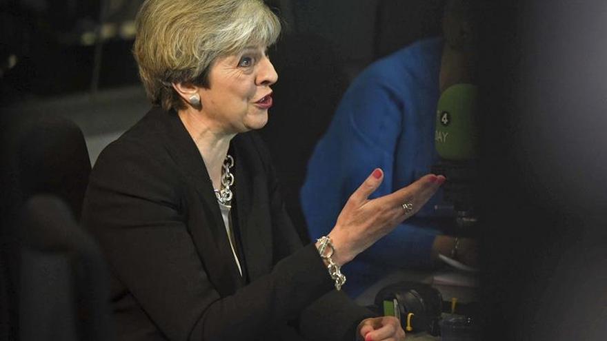 May y Corbyn se atacan en el debate sobre las elecciones anticipadas