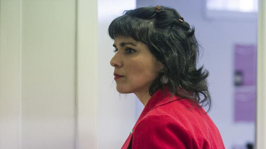 """Teresa Rodríguez: """"Ellos dicen que porque nace Vox, deben gobernar con el PSOE, y yo digo que porque Vox está ahí, hay que tener un perfil más propio"""""""