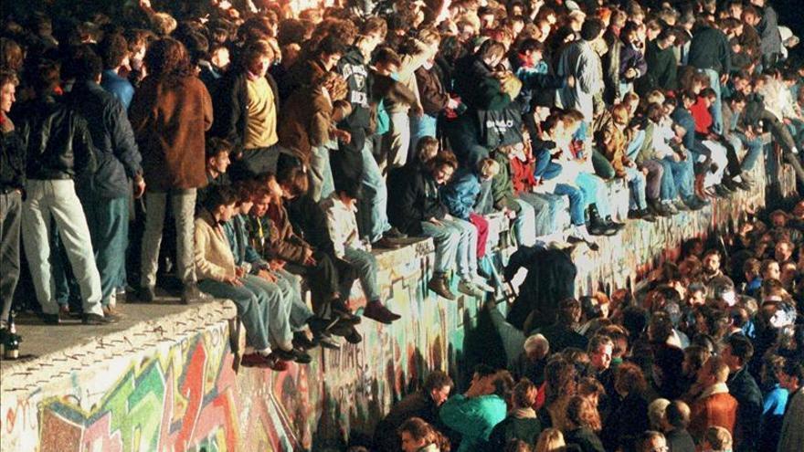 Berlín recuerda a los que ayudaron a cruzar el muro hacia Alemania Occidental