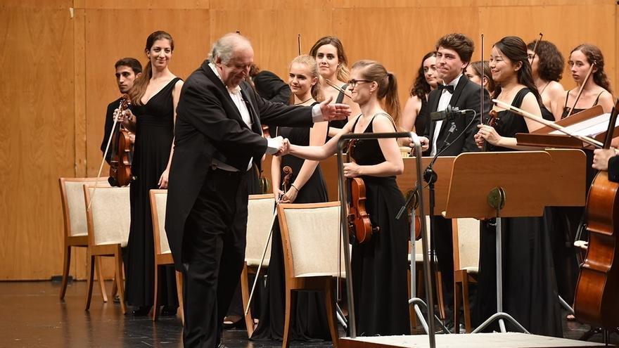 Péter Csaba dirigirá a la Orquesta de Cámara del Encuentro de Música y Academia en la clausura