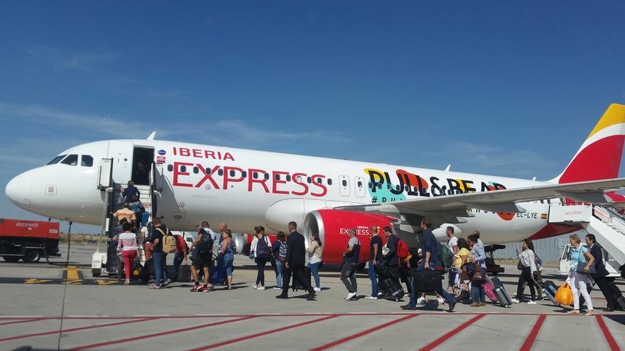 En la imagen, un avión de la compañía Iberia Express.