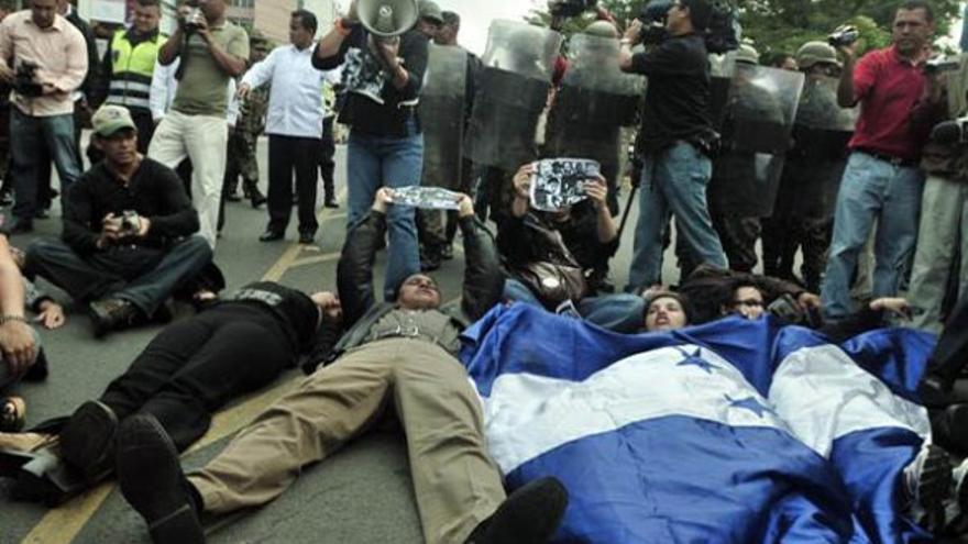 Protesta en Honduras contra la impunidad de los crímenes cometidos contra periodistas (EFE)
