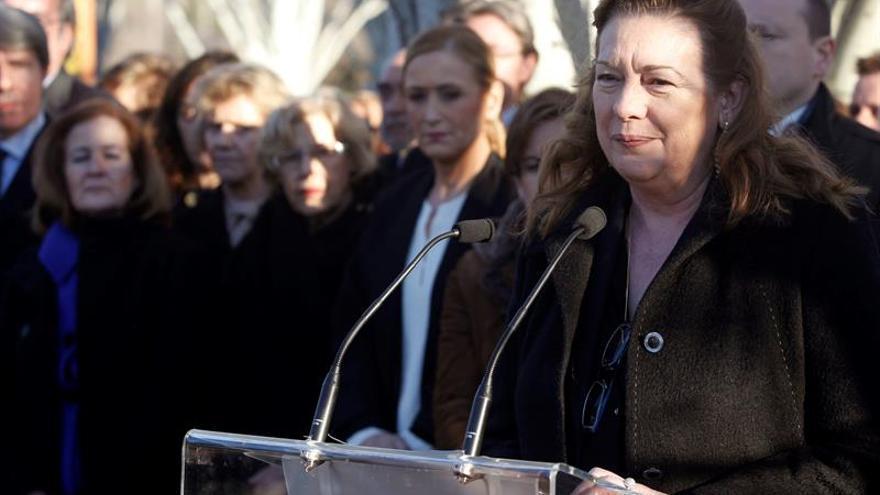 Piden hasta 2 años de cárcel por insultar en Twitter a Pilar Manjón