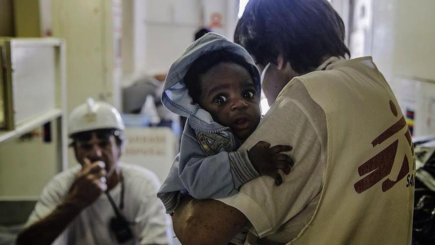 Praise, el bebé nigeriano de 3 meses rescatado el pasado junio en el Mediterráneo Foto: MSF / Agus Morales
