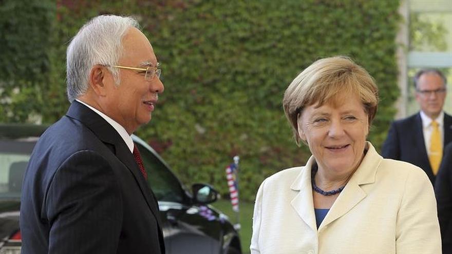 Merkel rechaza por principios escoger a los refugiados según su religión