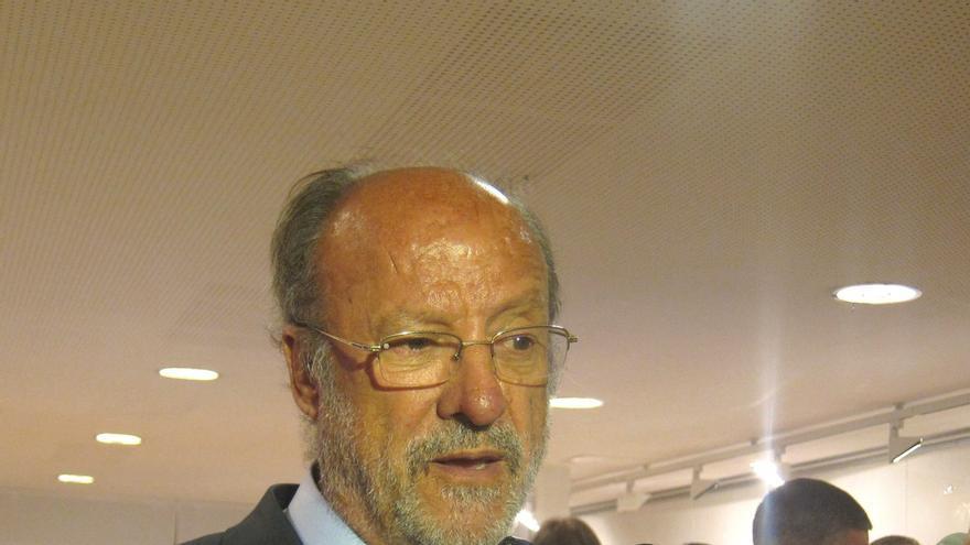 De la Riva recuerda que es el juez el que decide si el Ayuntamiento ha cumplido o no el fallo sobre símbolos franquistas